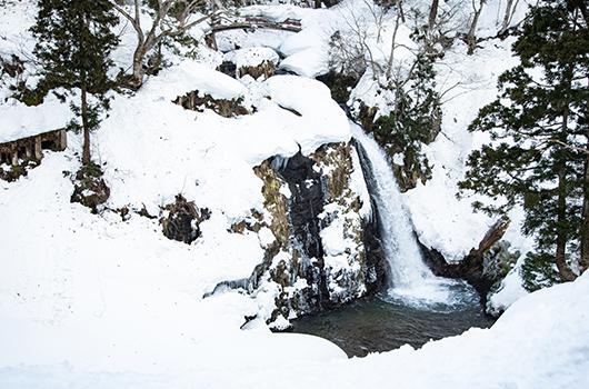 絶景の銀山温泉の山々